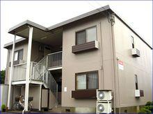 鯖江市杉本町の2DK賃貸アパート『メゾン杉本』の外観です。