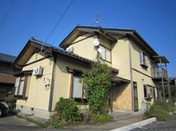 鯖江市水落町の5LDK賃貸住宅の外観です