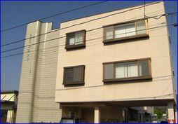 鯖江市柳町3丁目の賃貸マンション「メゾンカタヤマ」の外観です